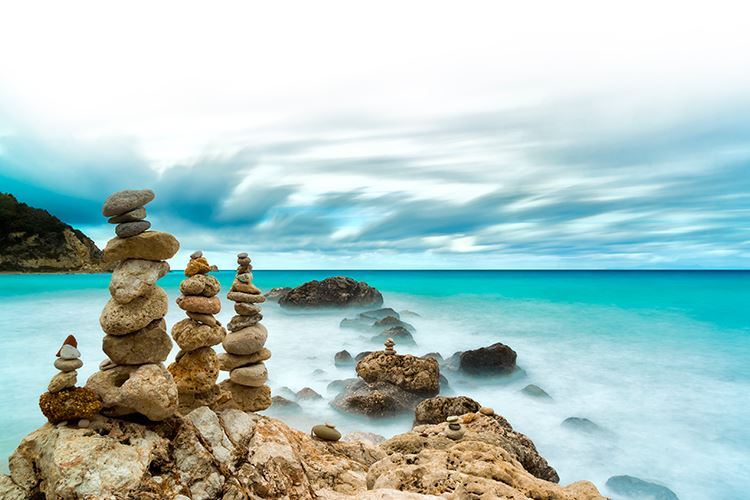 scenic picture of rocks and the ocean